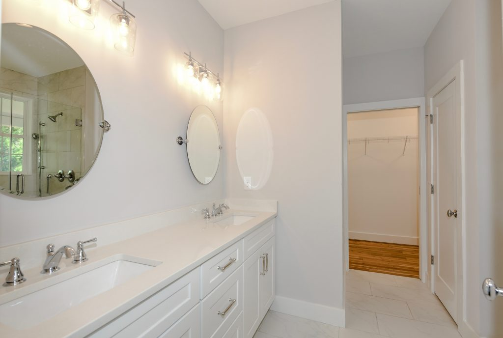 WilliamMarkDesigns Boulevard Drive Bathroom 1