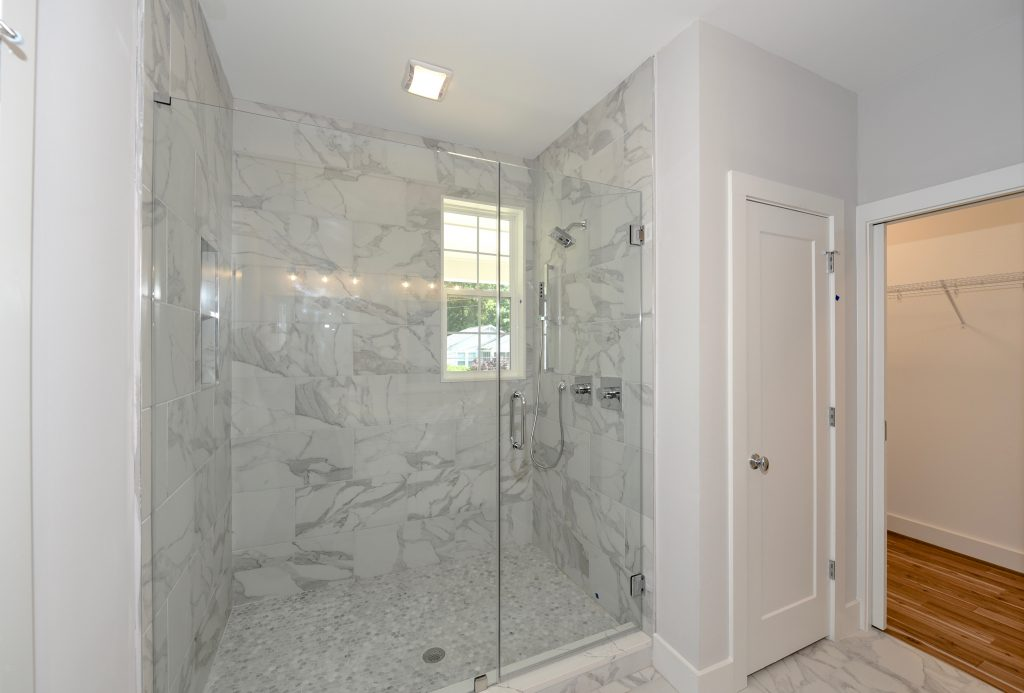 WilliamMarkDesigns Boulevard Drive Shower