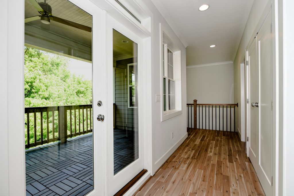 WilliamMarkDesigns Boulevard Drive Covered Balcony