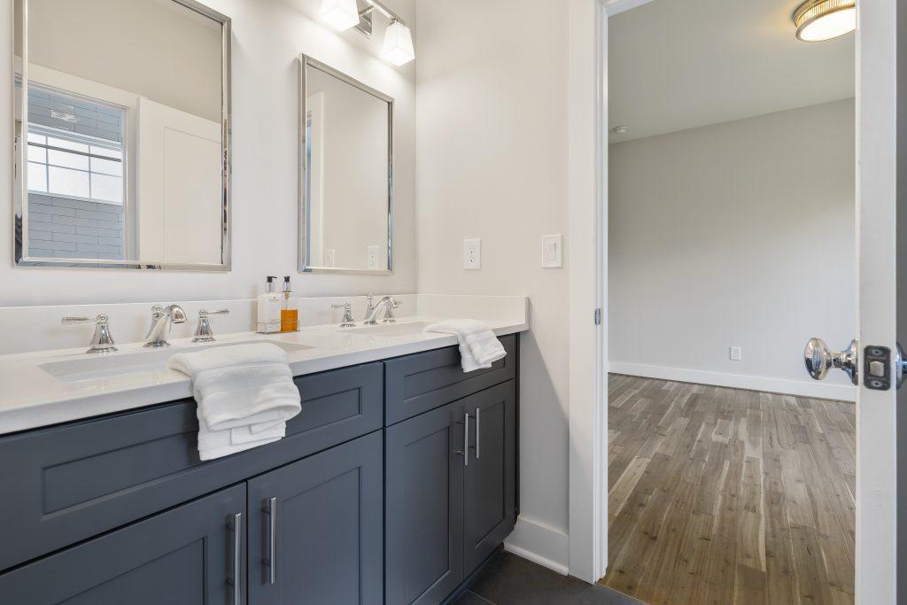 WilliamMarkDesigns Hill Street Guest Bathroom